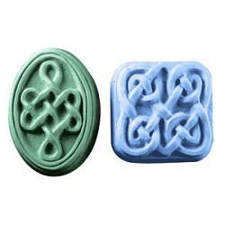 Guest size Celtic Knot